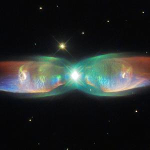 Блестящите криле на една космическа пеперуда