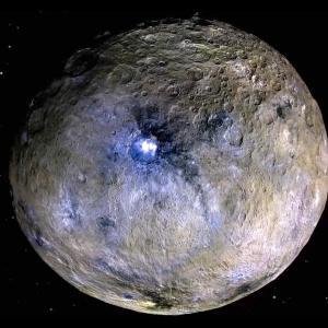 Мистериозното ярко петно на Церера е признак за огромен подземен океан
