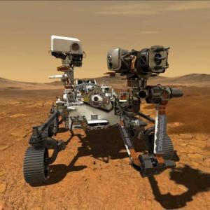 """Чуйте звуците на марсохода """"Упоритост"""", пътуващ през космическото пространство"""