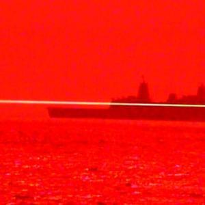 Американският флот пусна кадри на лазерно оръжие, стрелящо по дрон за първи път