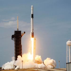 Българската следа в историческия полет на SpaceX