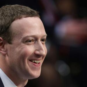 Отложиха Facebook Dating в Европа: Засега Зукърбърг няма да знае с кои приятели искате да преспите