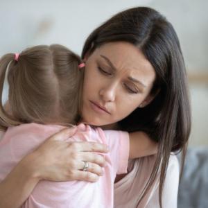 """Как нервната майка """"заразява"""" дъщеря си"""