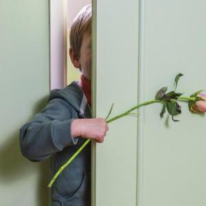 Психолози: Не принуждавайте детето да се извинява