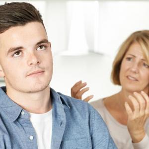 5 родителски грешки, които вбесяват тийнейджърите