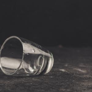 Съществува пряка връзка между работохолизма и алкохолизма
