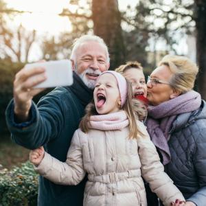10 неща, които бабите и дядовците правят, а родителите не понасят