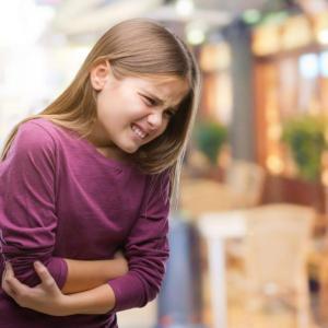 Истинската причина за неочакваните коремни болки при децата