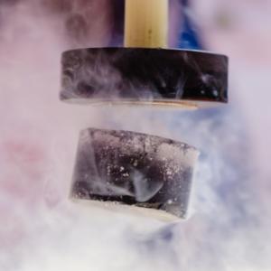 Физици откриха нов тип суперпроводник