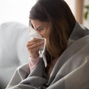 Болните роднини: Най-честият източник на зараза с COVID-19