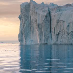 Гренландия губи лед 7 пъти по-бързо
