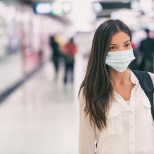 СЗО: Хирургическите маски забавят разпространението на коронавируса