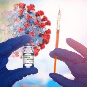 Ваксината на AstraZeneca отчете между 62% и 90% ефективност