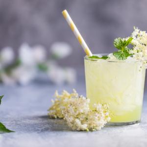 Защо да пием сок от бял бъз?