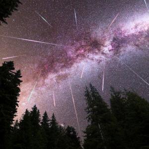 Тази нощ е пикът на Лиридите, зрелищния пролетен звездопад