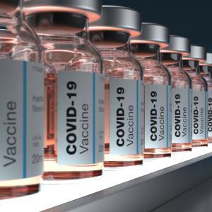 Антителата, образувани от ваксините, започват да намаляват след 2-3 месеца