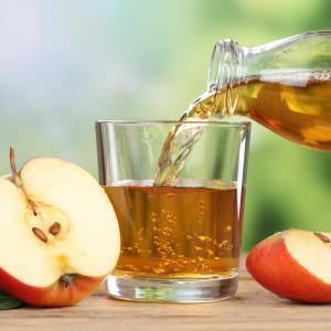 Ето защо да пиете сок от ябълка