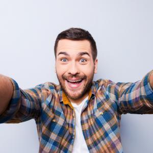 Мъжете, които си падат по селфита, е по-вероятно да се окажат психопати