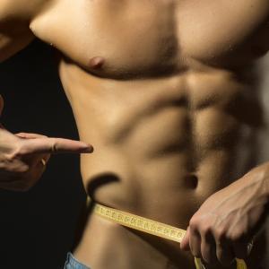 7 невероятно ефективни упражнения за корем с ластици и тренировка
