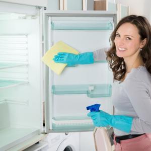 Как бързо и лесно се чистят хладилници
