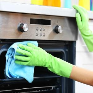 Трикове за почистване на готварската печка