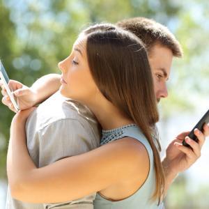 Почти 60% от любовните афери започват на работното място: 15 факта за изневярата