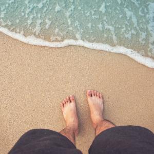 Влажният пясък: развъдник на бактерии