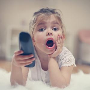 Телевизията намалява творческите наклонности на децата