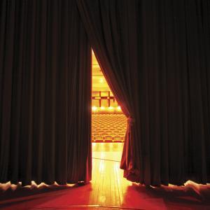 Ето кои постановки можете да гледате безплатно онлайн днес в Деня на театъра