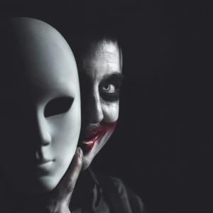 7 признака, по които се познават двуличните хора