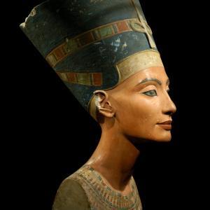 Тайна камера в гробницата на Тутанкамон вероятно крие останките на Нефертити