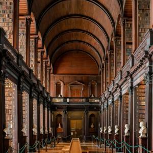 Библиотека в Дъблин е на 300 години и съхранява над 200 000 книги