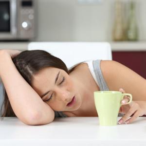 Как да намалим вредните последствия от недоспиването