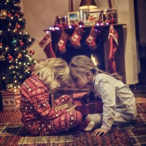 Как да отговорим на странните детски въпроси за Дядо Коледа