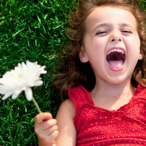 Смехът е вроден, плачът се учи
