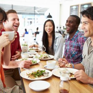 Искате да ядете по-малко? Ето кой е най-важният навик