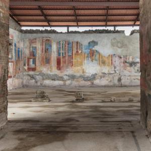 В Помпей чатили по стените на къщите