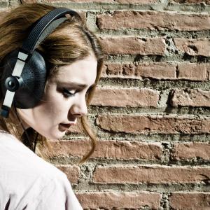 Защо някои хора обичат тъжни песни, а други – не