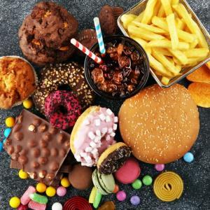 Високите нива на холестерола ускоряват стократно развитието на рака на дебелото черво