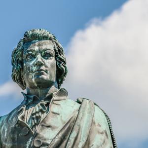27 януари – Годишнина от рождението на Моцарт и Луис Карол