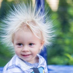 Учени обясниха феномена на статичното електричество