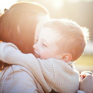 Един красив експеримент: Деца трябва да открият майките си, без да гледат
