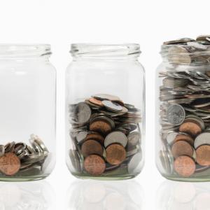"""Пробвайте """"метода с бурканите"""", за да спестите пари и да управлявате финансите си"""