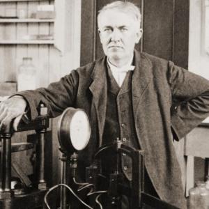 8 август 1876 г. - Томас Едисън патентова мимеографа