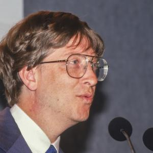 6 август 1997 г. - Microsoft спасява Apple