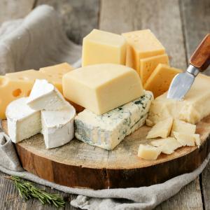 6 причини да ядете повече сирене
