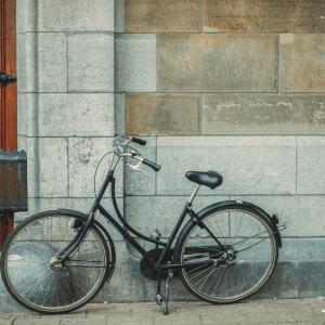 За молитвите и велосипедите
