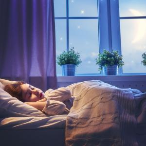 Не спите добре, храните се много - има връзка