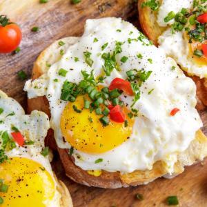 Закуската, богата на протеини, намалява глада през деня