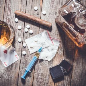 Коя страна към кой наркотик е пристрастена?